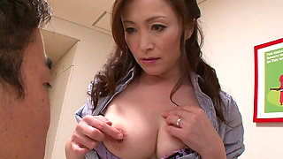 Sexctractive Japanese mature Miyama Ranko gets finger fucked