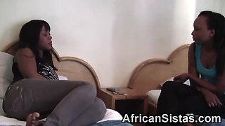 african lesbos kissing and licking shaved cunts