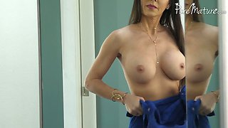 Perfect MILF Jessica Jaymes wanna get her pierced pussy fucked mish