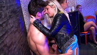 Amateur eurobabes cumdrenched at dance party