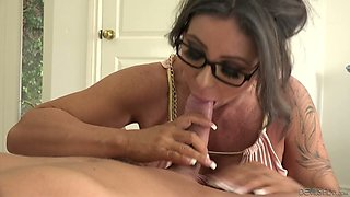 Hot Simone Garza is a fine looking woman who loves missionary position