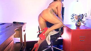 Modesty Blaze naked on cam