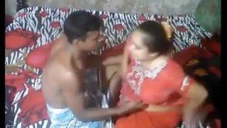 Desi aunty sex video on hidden cam