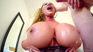 Kianna Dior cannot wait to feel a dick in her gaping hole