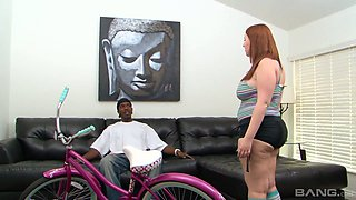 White bitch with plump ass Felicia Clover gets her slit blacked