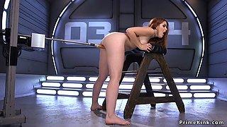Big ass hottie fucked by machine
