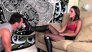 Glamour babe gets feet and pussy licked by her slave