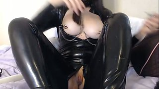 Latex queen masturbated her own meaty juicy pussy on webcam