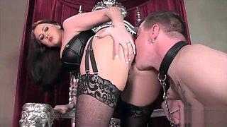 worship his mistress