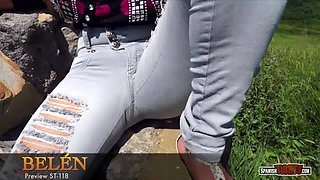 Young amateur girl showing cameltoe in tight ripped jeans