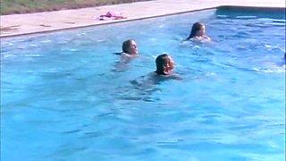 4 girls nude underwater in the pool scene