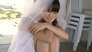 Japanese sweet and hot girlie Okada Robin crawls on the bed