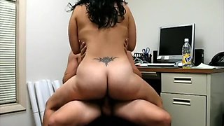 Big Booty Hottie Fucking & Riding Boyfriend on a chair in his office