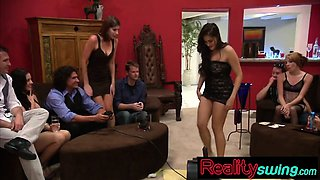 New swinger couple learns Sybian machine