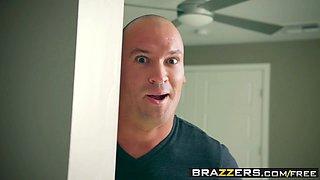 Brazzers - Big Butts Like It Big -  Scrub That Trunk scene