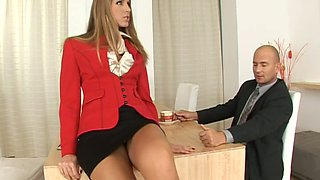 Dazzling Jennifer Stone gets her neat feet pleased