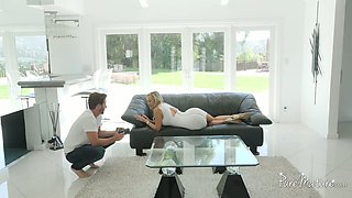 Cheating housewife in her 40s Brandi Love rides strong cock of good lay