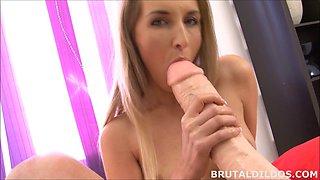 Tight blonde Jenny Simons gaped by brutal dildo machine