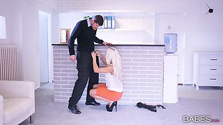 Clothed buxom milf and her boss get it on