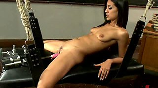 Trimmed Pussy Lovely Brunette Fucked By Nasty Machines
