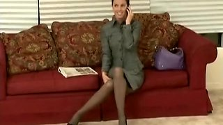 Sexy secretary asks for inescapable bondage and tight gag