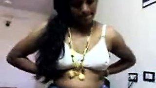 Hot Telugu Aunty Display Herself To Cu