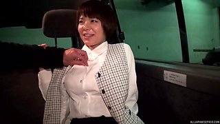 Japanese MILF amateur seduced into sucking dick in a car