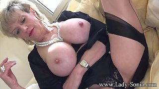 When I Wake Up With A Throbbing Clit That Needs Attention - LadySonia