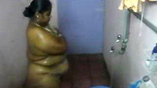 Indian fat Chennai aunty in shower hiddencam