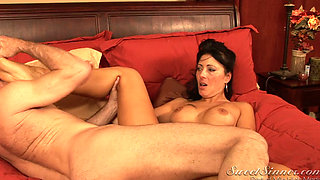 Mature babe Zoey sucks and fucks
