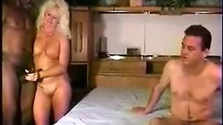 Cuck helps wifey bi mmf