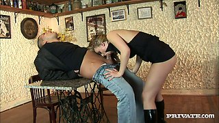 Stunning Denice gets her wet pussy drilled in a bar