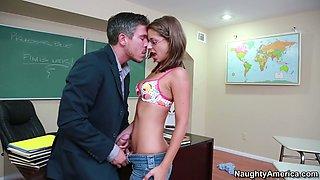 Book warm Presley Hart gives a head to her school teacher
