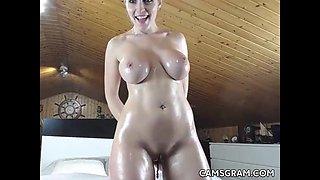 Pretty Good Milfy Bitch Playing On Webcam