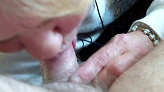 MY X GF MOM SWALLOWING MY CUM