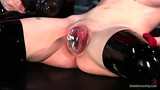 tight pussy of slave charlotte sartre gets big and swollen thanks to vaccuum pump