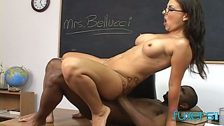 Sizzling teacher is in the mood for dirty interracial quickie