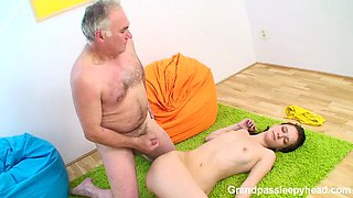 Kinky Grandpa Fucks Sleeping Girl