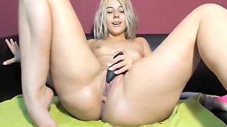 Perfect Blonde Squirts Huge Jiggling Thighs Anal