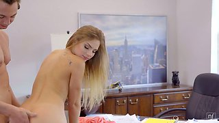 Natural light haired American babe Sydney Cole gives dude a darn good BJ