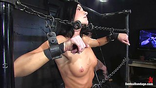 Brooke Lee Adams and India Summer get forced to play lesbian games