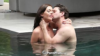 PORNPROS Brunette Stella Daniels sucks dick by the pool