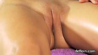 Innocent chick gapes slim vagina and gets devirginized